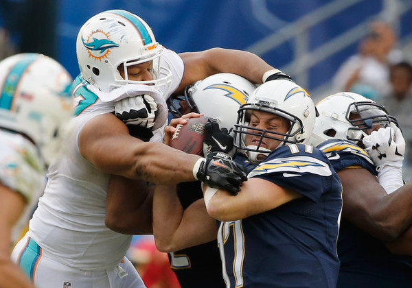 Philip+Rivers+Ndamukong+Suh+Miami+Dolphins+DGAZmtY1I8bl